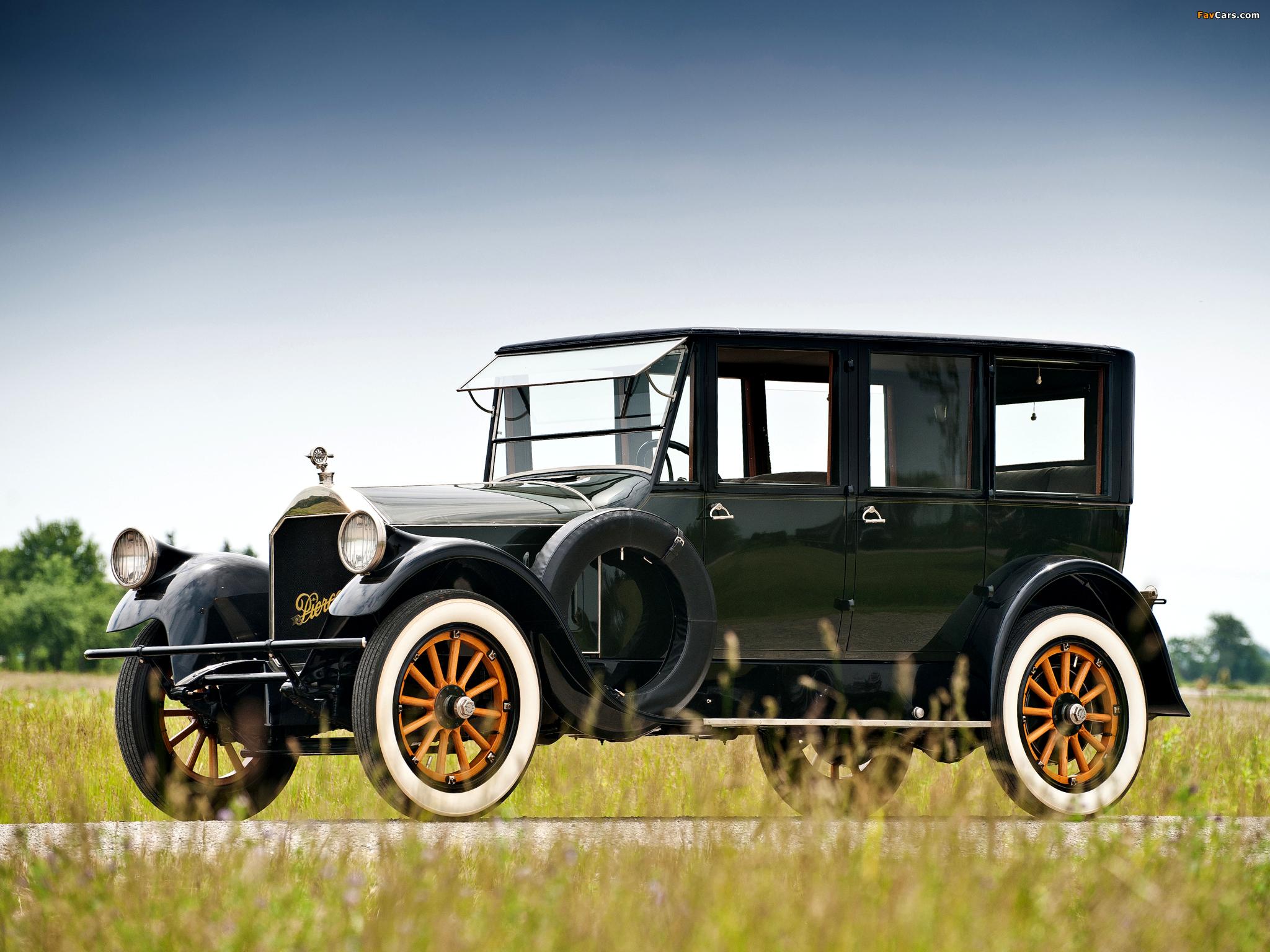 Photos of Pierce-Arrow Model 32 Sedan 1920 (2048 x 1536)