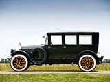 Pierce-Arrow Model 32 Sedan 1920 pictures