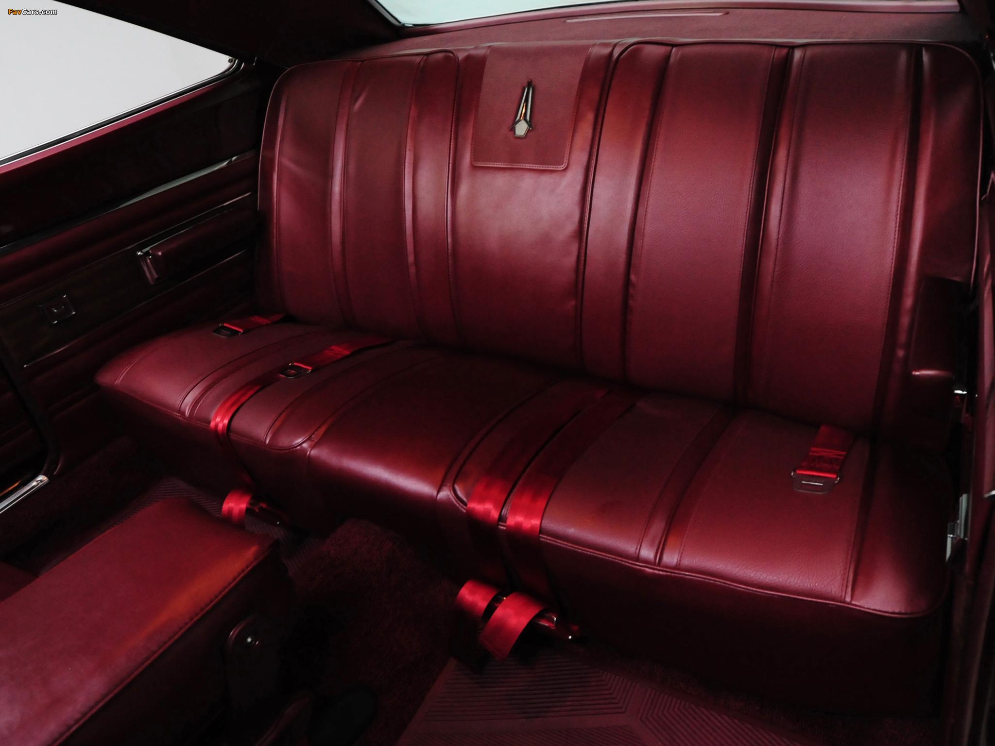 Plymouth GTX 426 Hemi 1968 wallpapers (2048 x 1536)