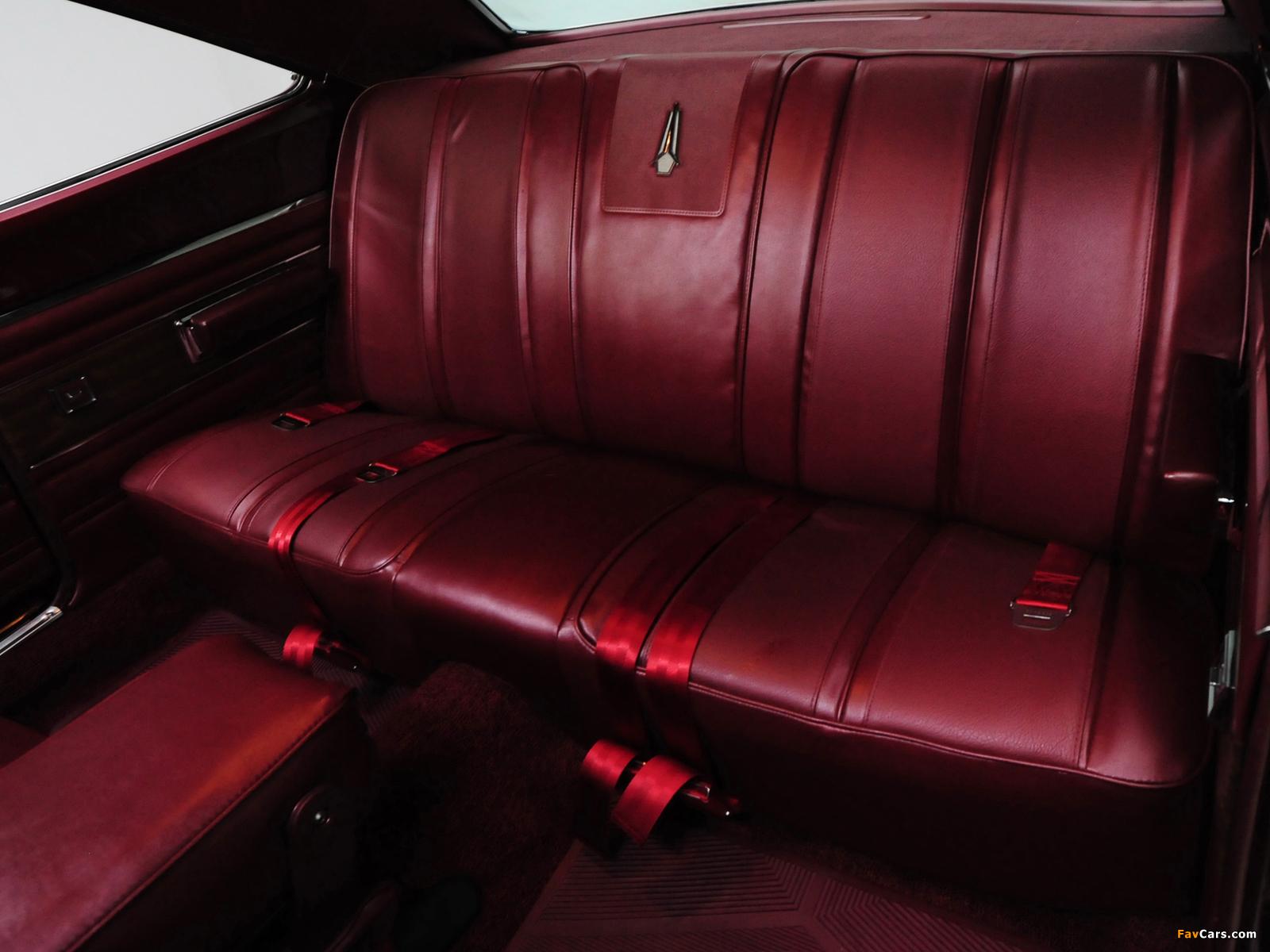 Plymouth GTX 426 Hemi 1968 wallpapers (1600 x 1200)