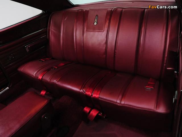 Plymouth GTX 426 Hemi 1968 wallpapers (640 x 480)