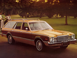 Photos of Plymouth Volare Premier Station Wagon (HH45) 1976–77