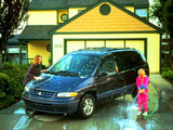 Plymouth Grand Voyager 1995–2000 images