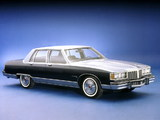 Pontiac Bonneville Brougham Sedan (Q69) 1980 photos