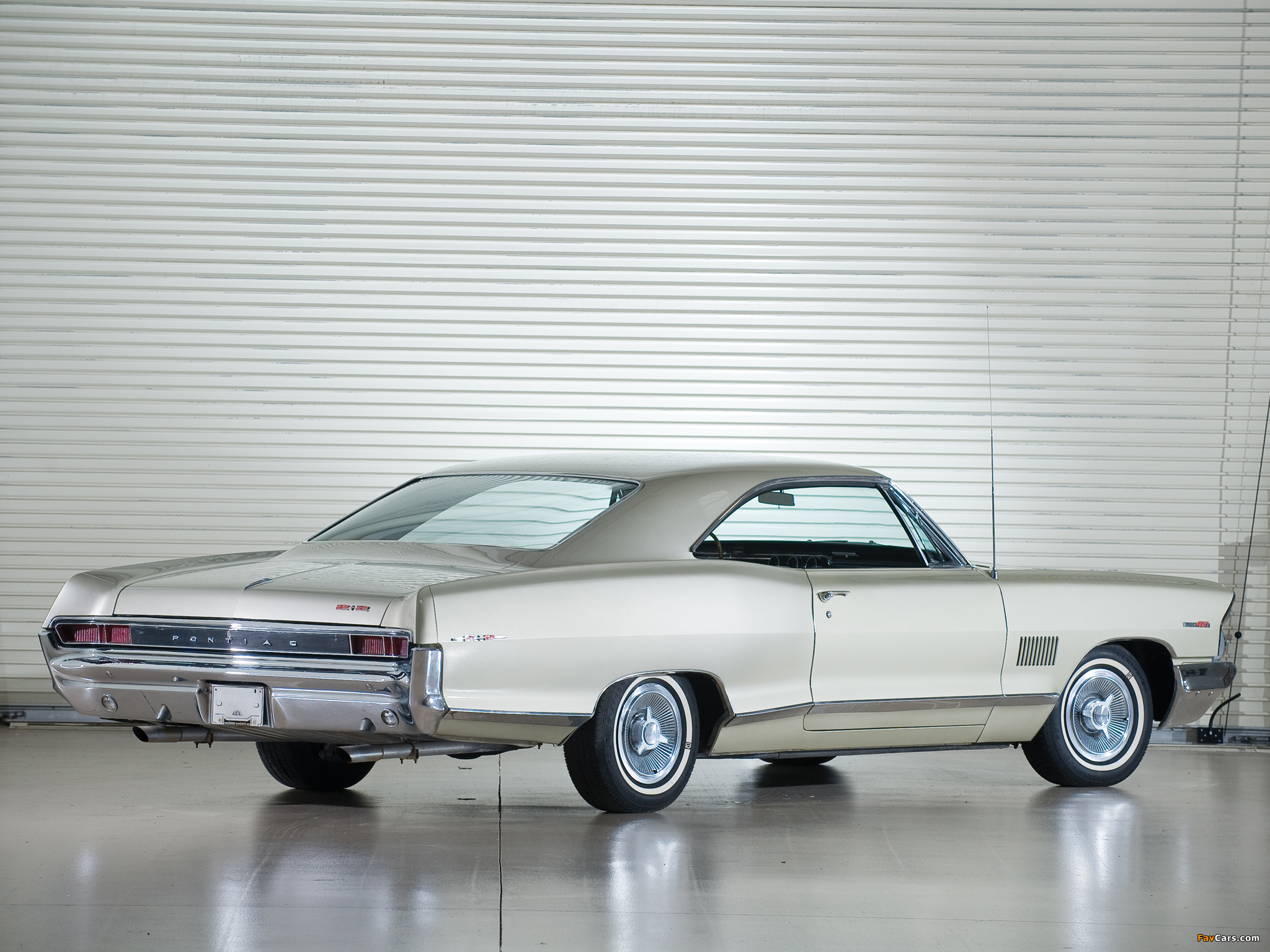 Pictures of Pontiac Catalina 2+2 Hardtop Coupe (25237) 1965 (2048 x 1536)