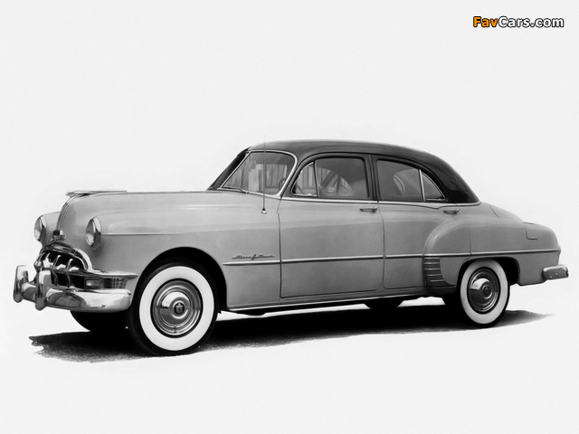 Pontiac Chieftain Deluxe Eight 4-door Sedan (2569D) 1950 pictures (640 x 480)