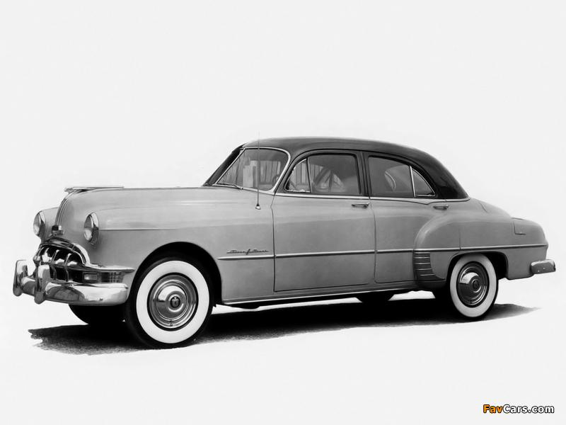 Pontiac Chieftain Deluxe Eight 4-door Sedan (2569D) 1950 pictures (800 x 600)