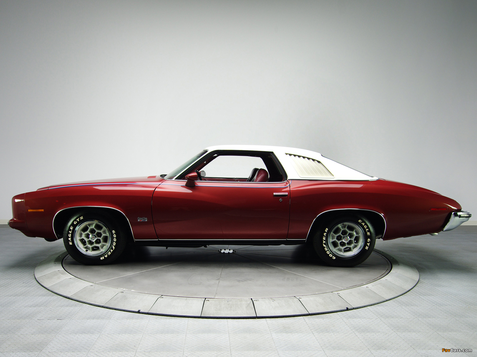 Images of Pontiac Grand Am Solonnade Hardtop Coupe (H37) 1973 (1600 x 1200)