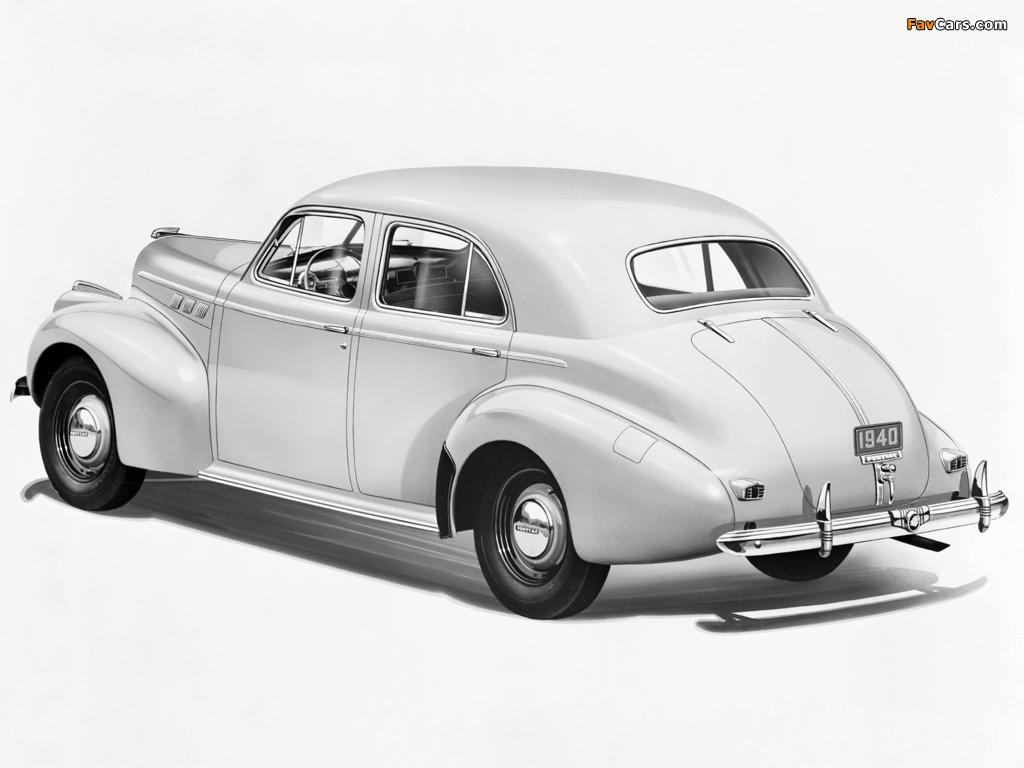 Images of Pontiac Torpedo Eight Touring Sedan (2919) 1940 (1024 x 768)