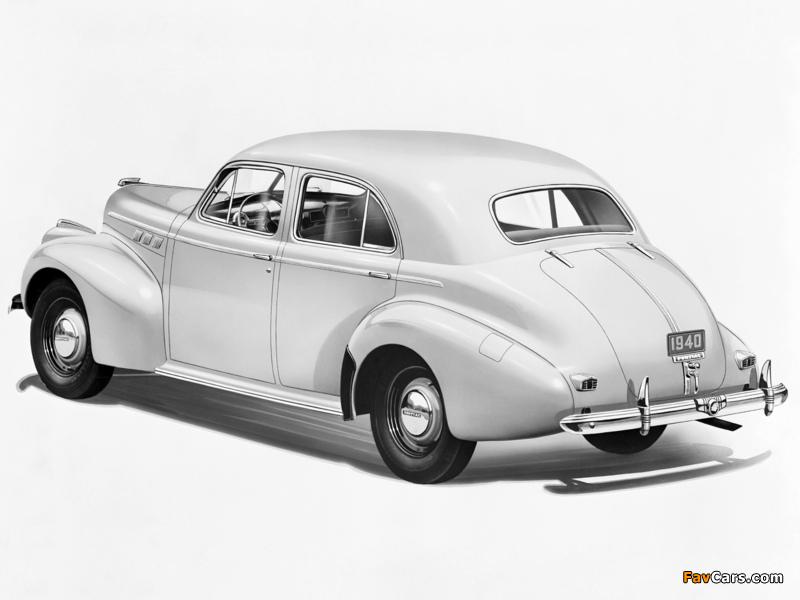 Images of Pontiac Torpedo Eight Touring Sedan (2919) 1940 (800 x 600)