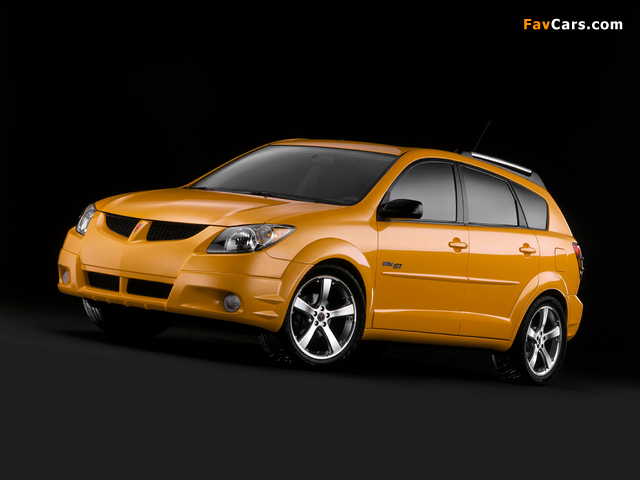 Pictures of Pontiac Vibe GT 2002–06 (640 x 480)