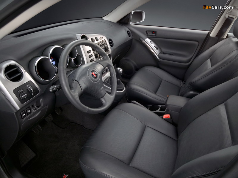 Pictures of Pontiac Vibe GT 2002–06 (800 x 600)