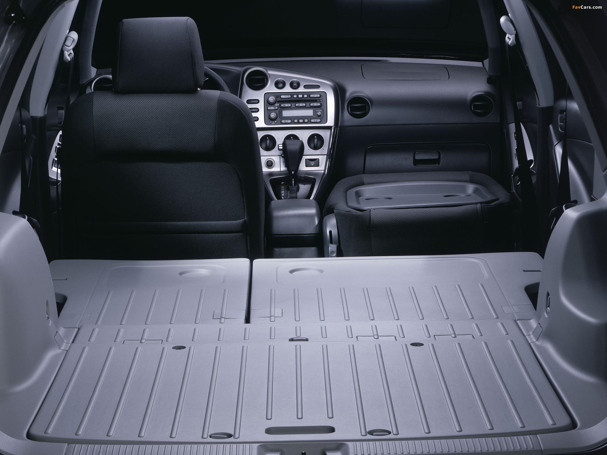 Pontiac Vibe 2002–08 pictures (2048 x 1536)