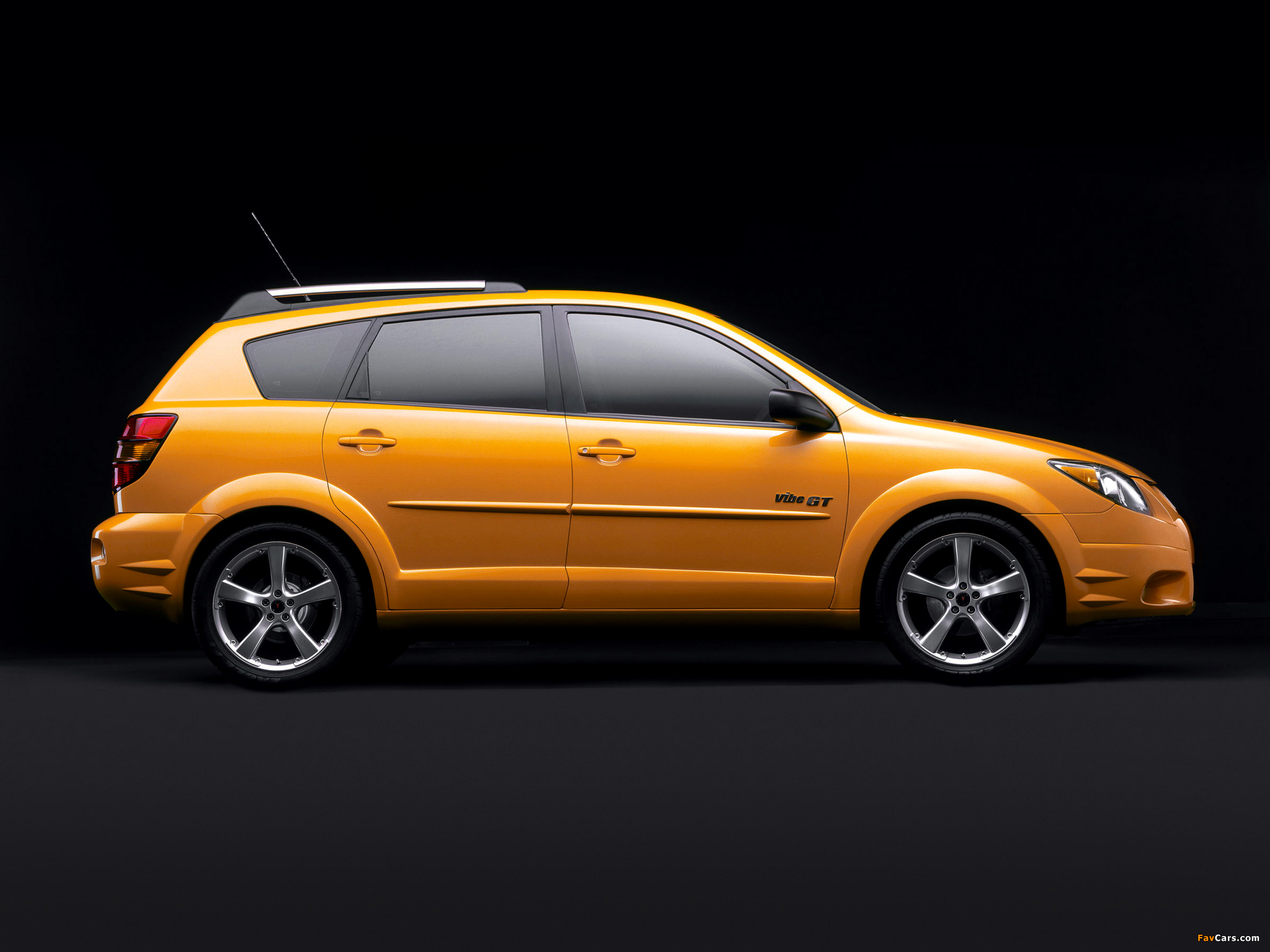 Pontiac Vibe GT 2002–06 wallpapers (2048 x 1536)