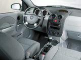 Photos of Pontiac Wave Sedan (T200) 2004–06