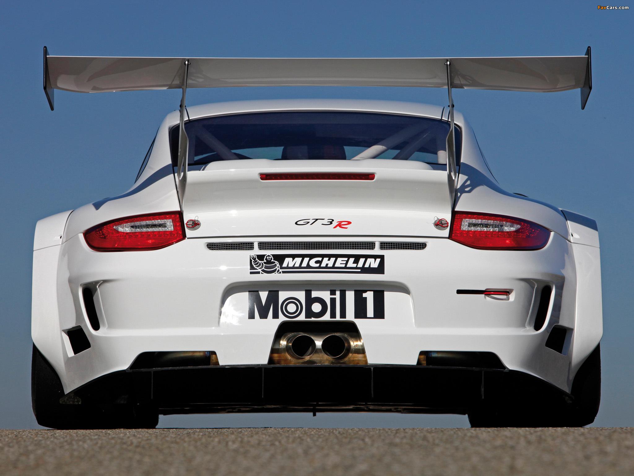 Photos of Porsche 911 GT3 R (997) 2009–12 (2048 x 1536)