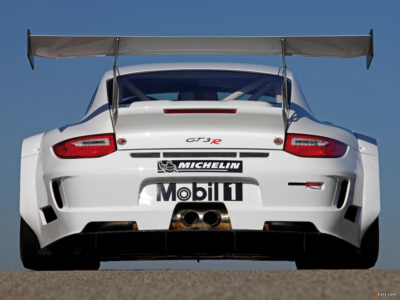 Photos of Porsche 911 GT3 R (997) 2009–12 (1600 x 1200)