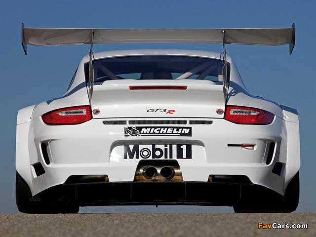 Photos of Porsche 911 GT3 R (997) 2009–12 (640 x 480)