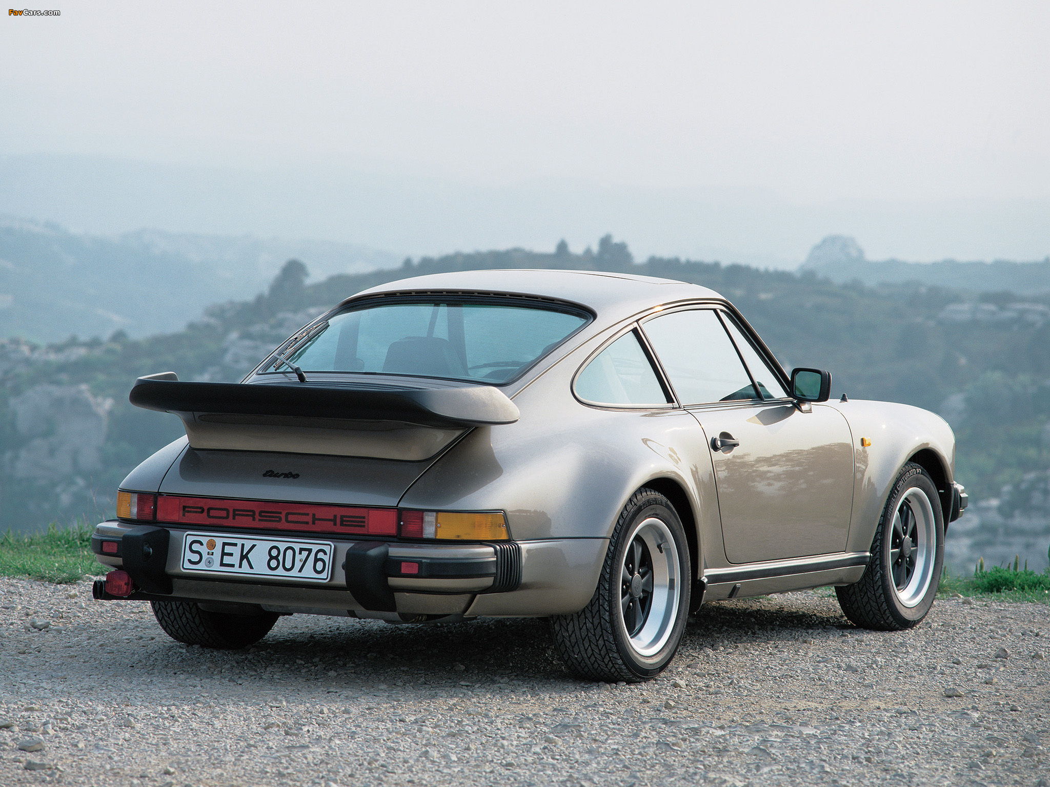 Porsche 911 Turbo 3.3 Coupe (930) 1978–89 wallpapers (2048x1536)