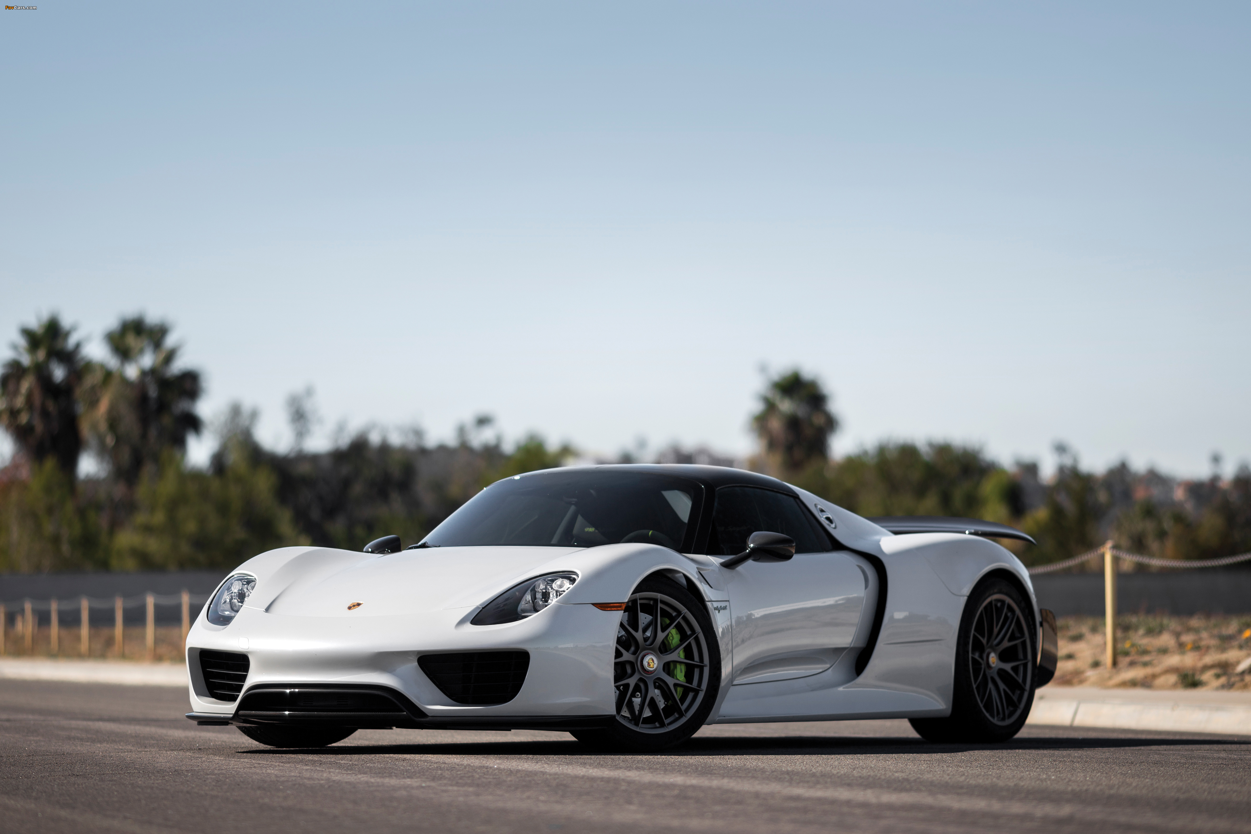 images of porsche 918 spyder weissach package us spec 2014 15 4000x2667. Black Bedroom Furniture Sets. Home Design Ideas