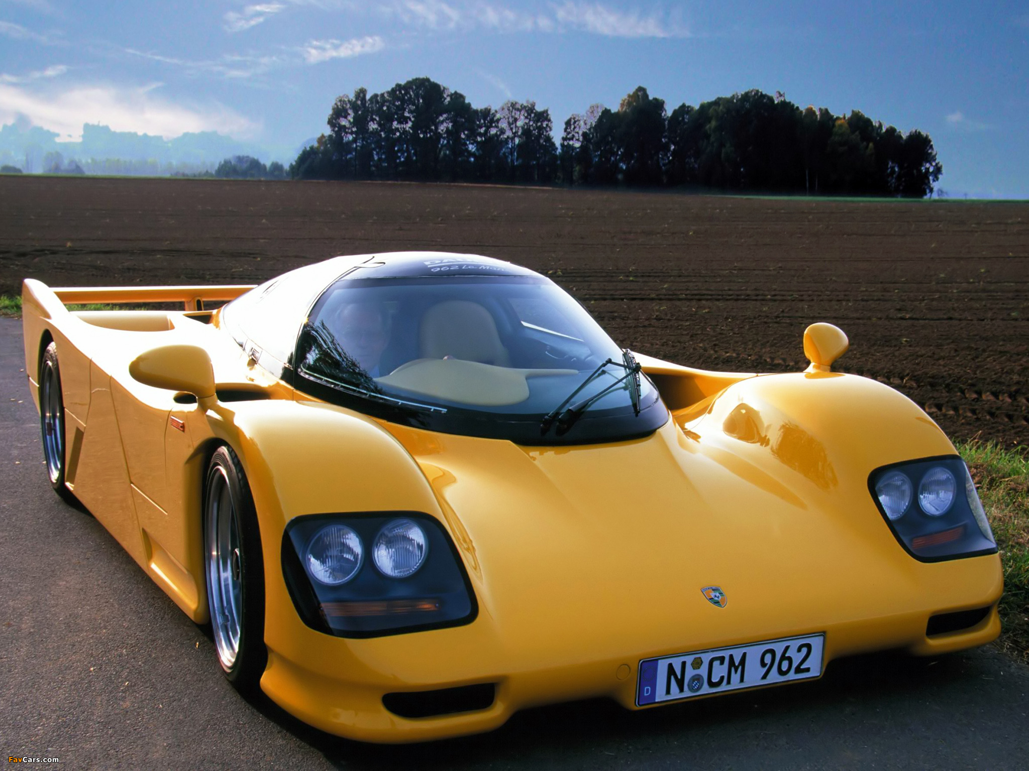 Car With Road >> Porsche Dauer 962 LM Road Car 1994–96 wallpapers (2048x1536)