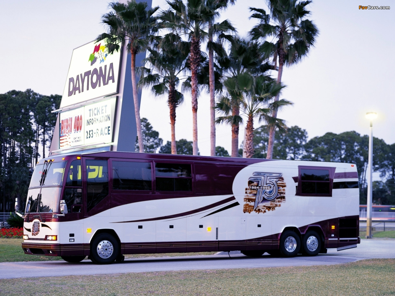 Images of Prevost H3-45 VIP Motorhome 2004 (1280x960)