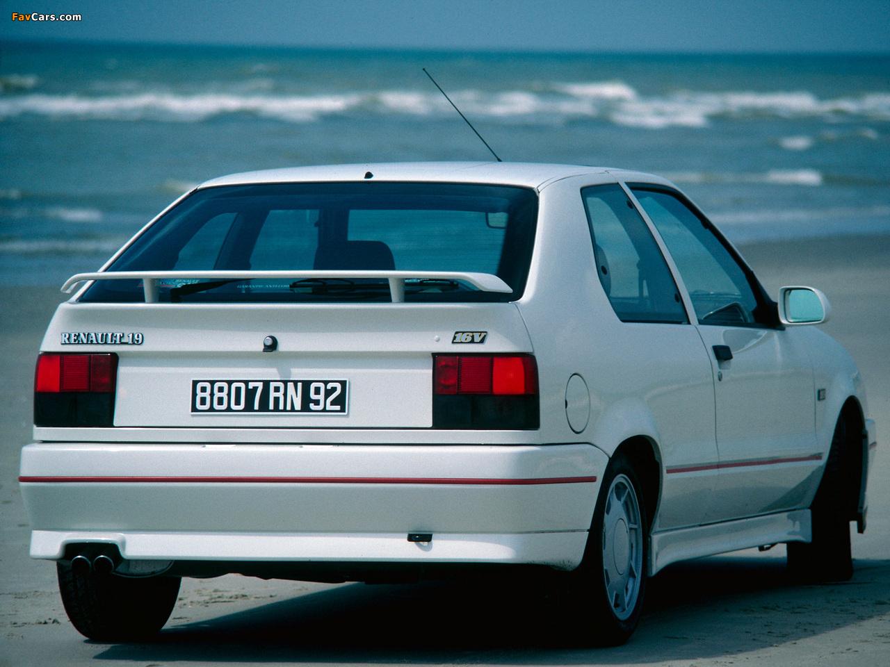 Photos of Renault 19 16V 3-door 1988–92 (1280 x 960)