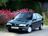 Photos of Renault 19 5-door UK-spec 1992–96