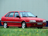 Photos of Renault 21 TXI Hatchback 1990–94