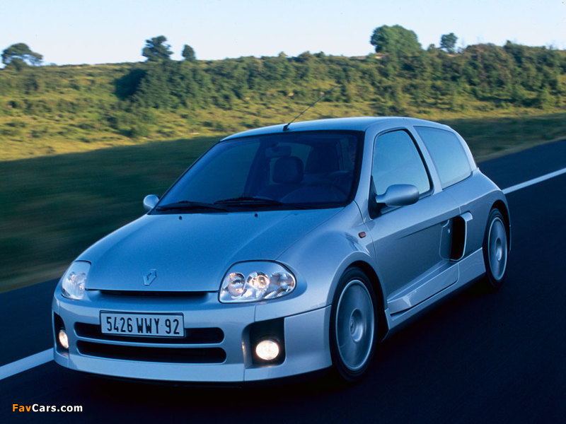 Images of Renault Clio V6 Sport 1999–2001 (800 x 600)