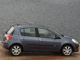 Images of Renault Clio 5-door 2005–09