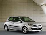 Images of Renault Clio 3-door 2005–09