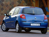Images of Renault Clio 5-door ZA-spec 2006–09