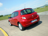 Images of Renault Clio 3-door 2009–12