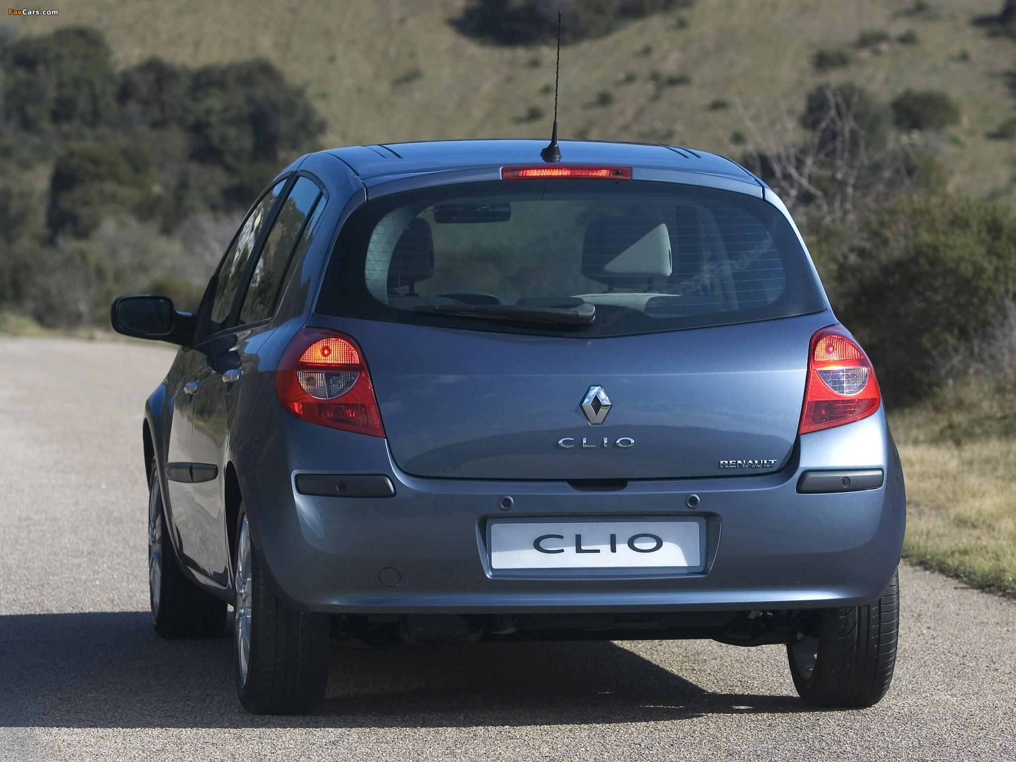 Photos of Renault Clio 5-door 2005–09 (2048 x 1536)