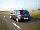 Photos of Renault Clio Campus 5-door 2006–09