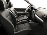 Pictures of Renault Clio 3-door 2001–05