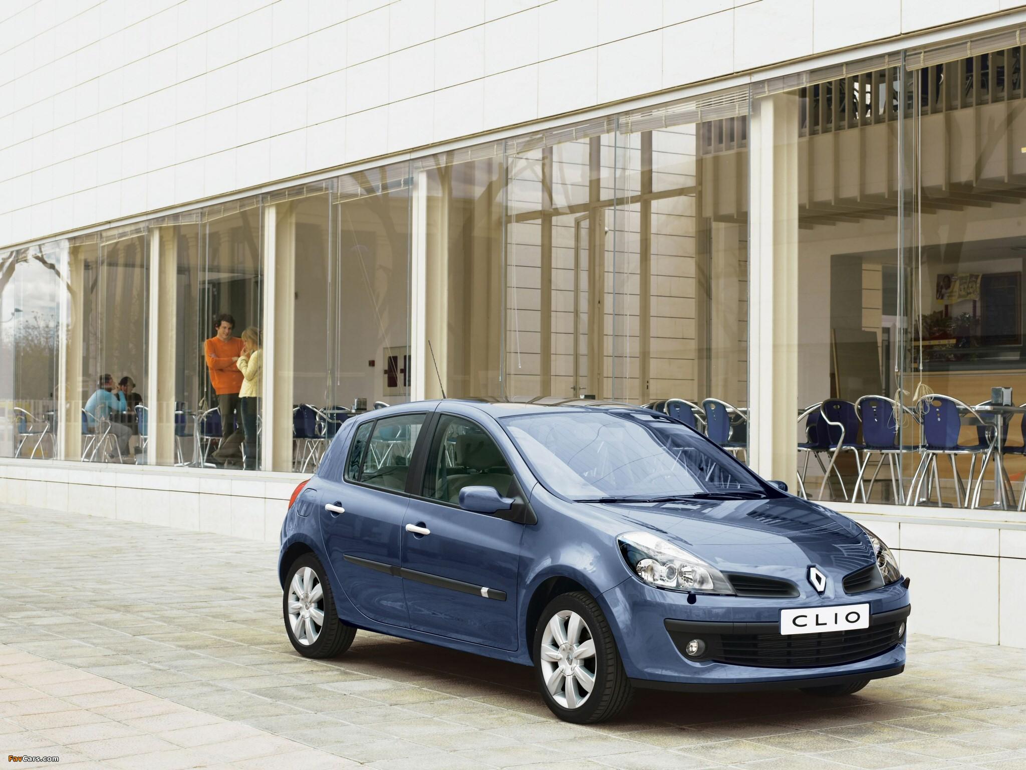 Pictures of Renault Clio 5-door 2005–09 (2048 x 1536)