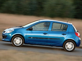 Pictures of Renault Clio 5-door ZA-spec 2006–09