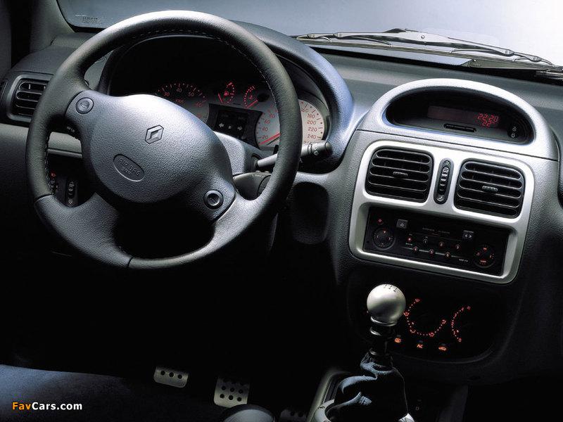 Renault Clio V6 Sport 1999–2001 images (800 x 600)