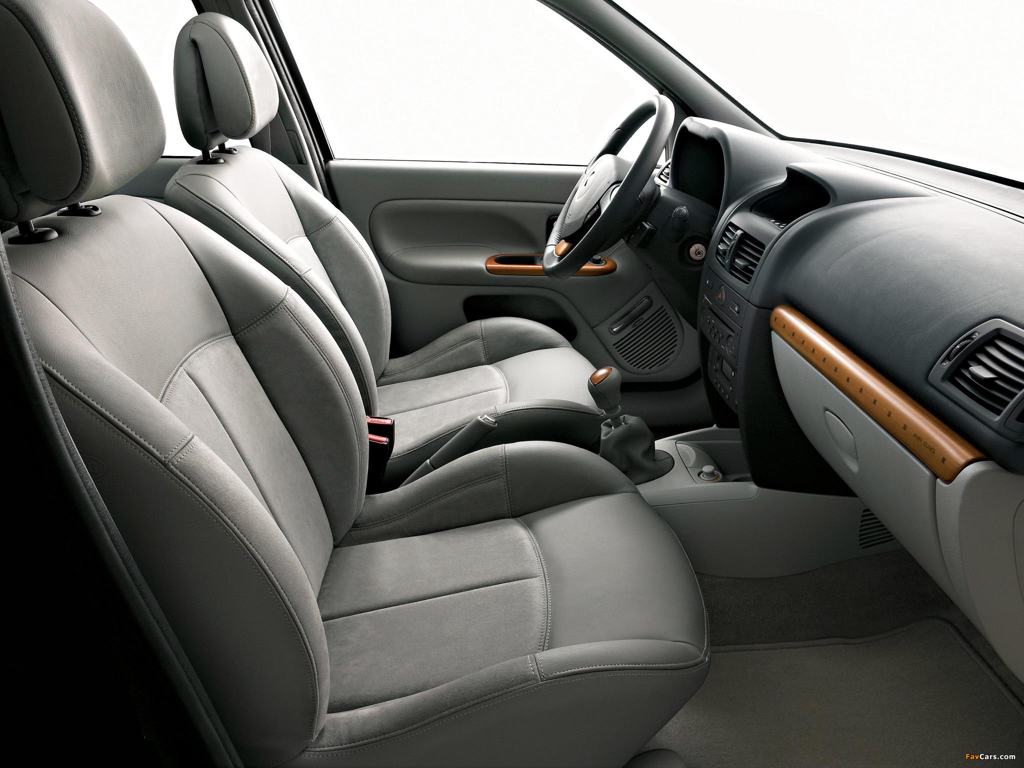 Renault Clio 5-door 2001–05 images (2048 x 1536)