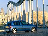 Renault Clio 3-door 2001–05 images