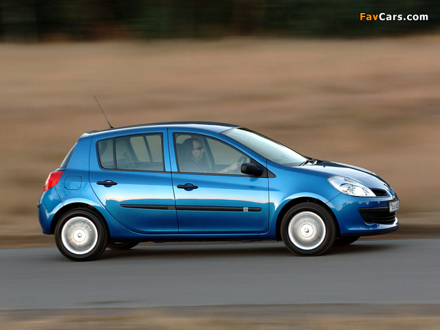 Renault Clio 5-door ZA-spec 2006–09 photos (640 x 480)