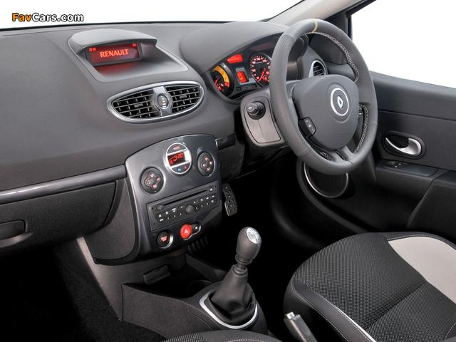 Renault Clio R.S. ZA-spec 2009–12 photos (640 x 480)