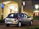 Renault Clio 5-door ZA-spec 2009–12 pictures