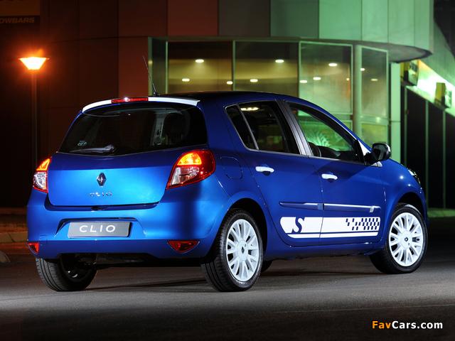 Renault Clio S 5-door ZA-spec 2010–12 wallpapers (640 x 480)