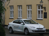 Renault Fluence Z.E. 2010 pictures