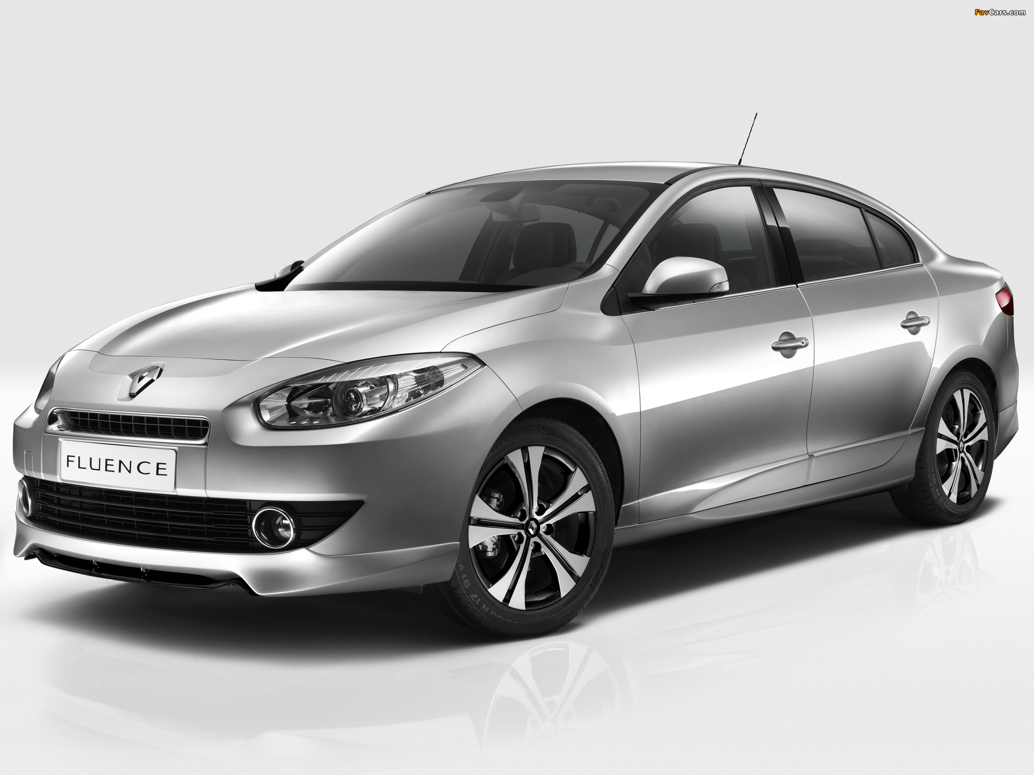 Renault Fluence Black Edition 2012 pictures (2048 x 1536)
