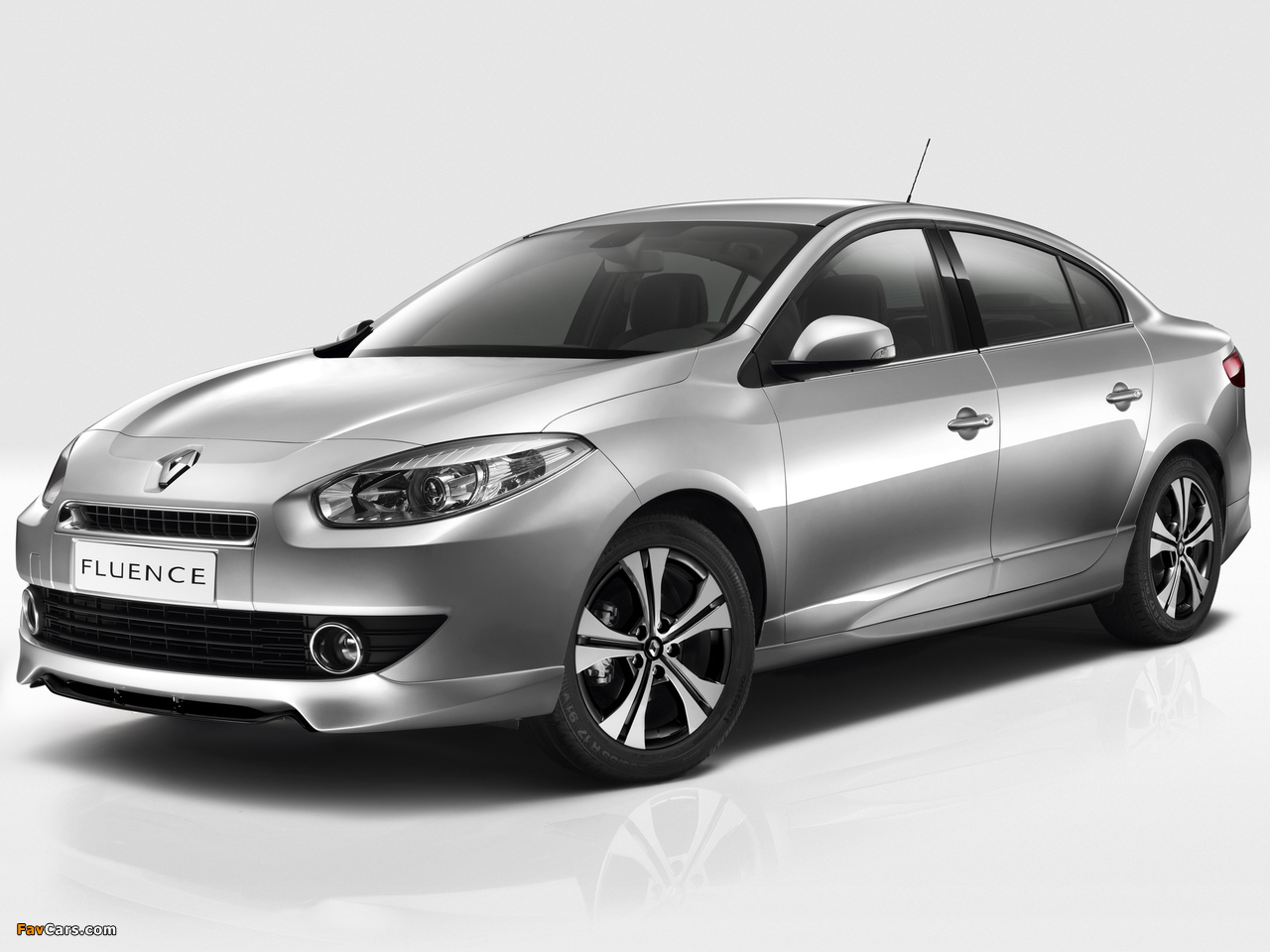 Renault Fluence Black Edition 2012 pictures (1280 x 960)