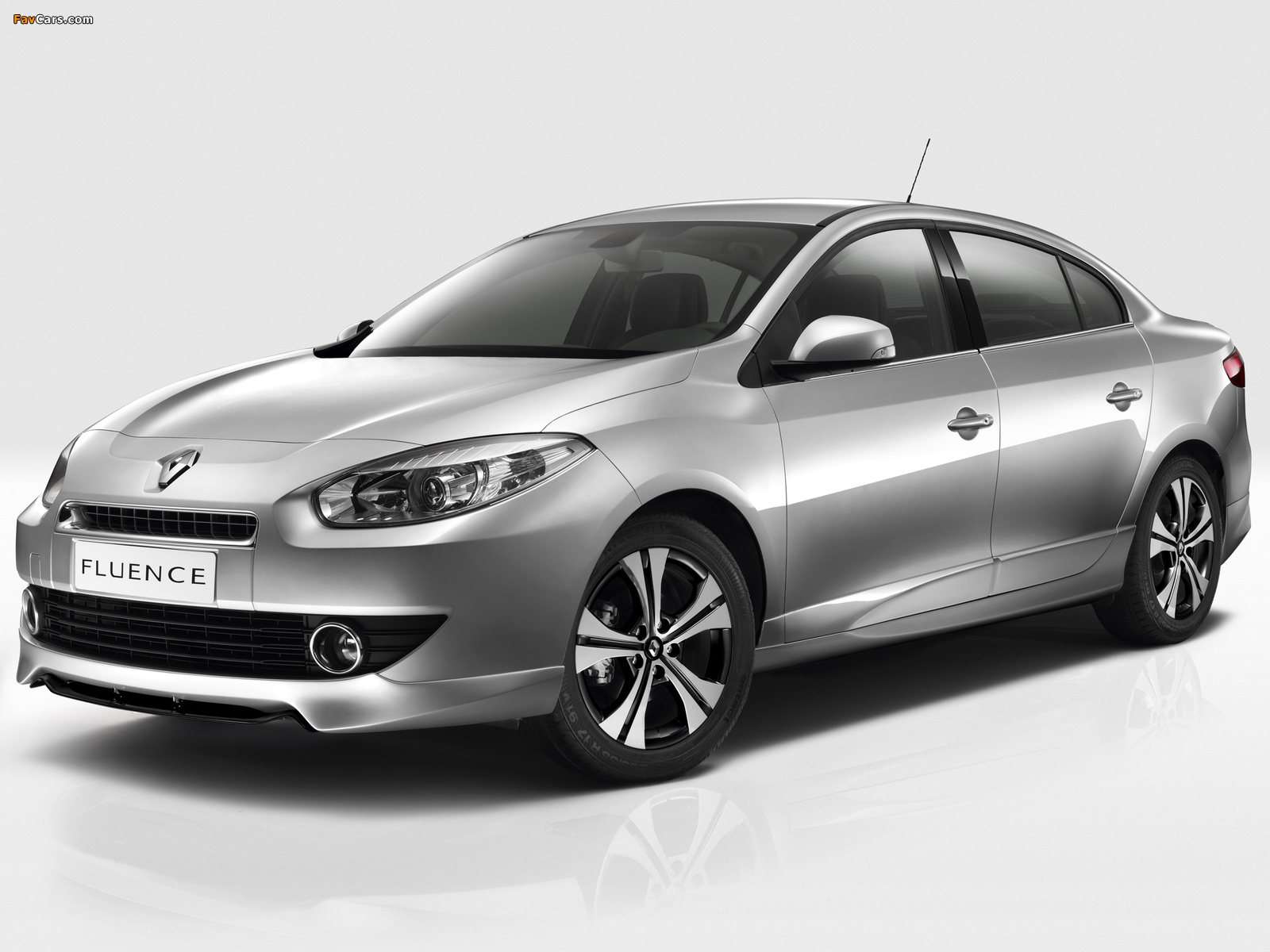 Renault Fluence Black Edition 2012 pictures (1600 x 1200)